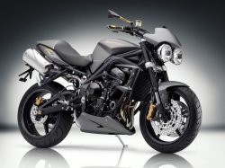 Лучшие мотоциклы 2012 года. Лучший Стандарт Triumph Speed Triple R