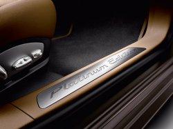 Porsche выпустила «платиновый» Panamera