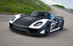 Новые подробности о гибриде Porsche 918 Spyder