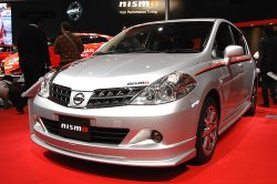 Nissan Tiida получила спорт-пакет от ателье Nismo