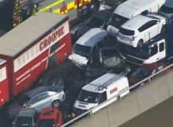 В Великобритании произошла массовая авария