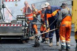 Ремонтировать дороги в Красноярске буду почти четыреста лет