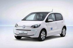 Владельцам автомобилей Volkswagen e-up! будут предлагать машины с обычными  ...