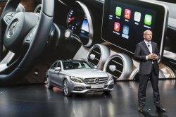 За автомобилями Mercedes можно будет следить с помощью телефонов