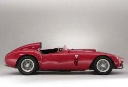На аукционе был продан автомобиль Ferrari 375-Plus 1954 года выпуска