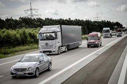 Mercedes тестирует грузовик с автопилотом