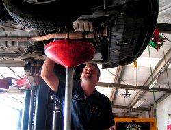 Чтобы продлить срок службы мотора, нужно вовремя менять масло
