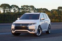 В Нью-Йорке показали обновленный Mitsubishi Outlander