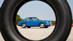 Две компании Porsche и Pirelli сделали новые шины для старых спорткаров